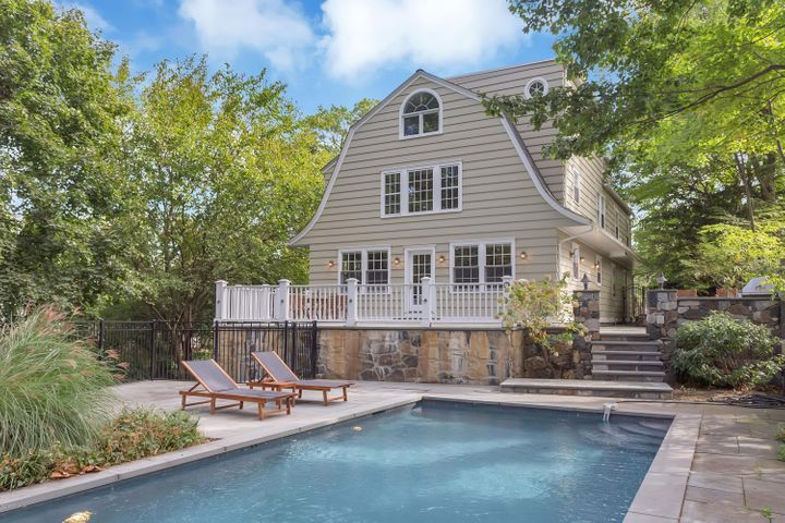 110 Patterson Avenue, Greenwich, CT 06830