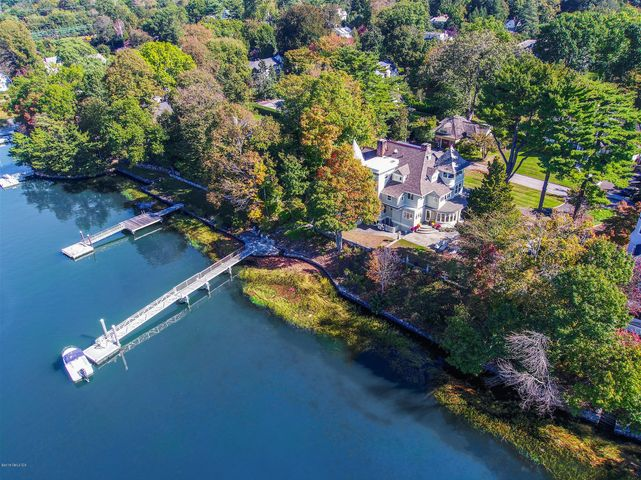 29 Glen Avon Drive, Riverside, CT 06878