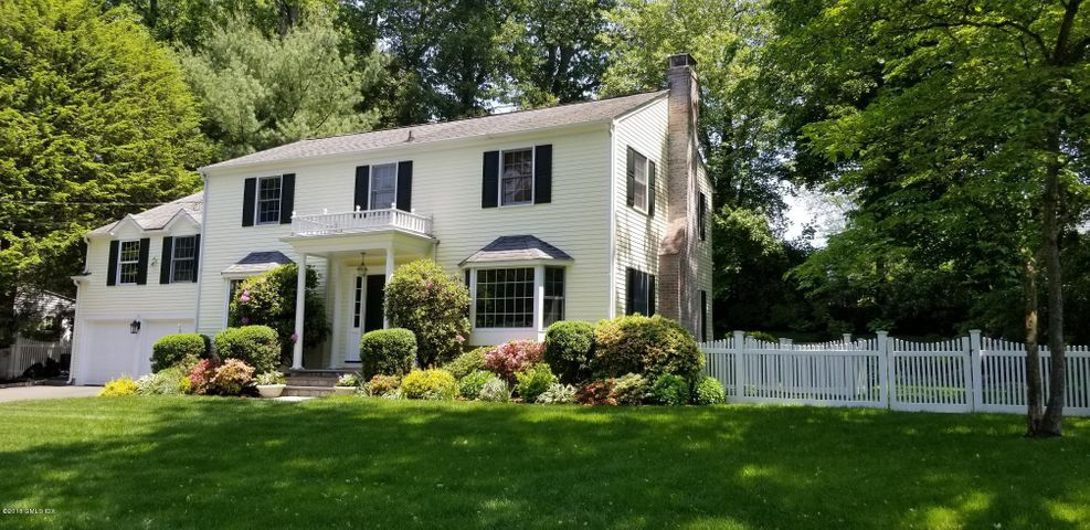23 Stoney Ridge Lane, Riverside, CT 06878