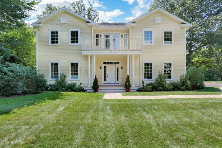 26 Nimitz Place, Old Greenwich, CT 06870