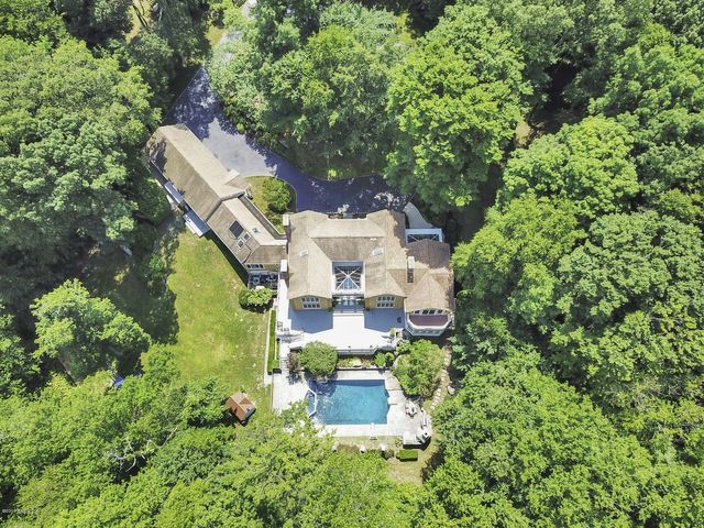 9 Stallion Trail, Greenwich, CT 06831