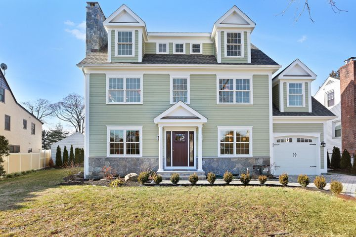 10 Windy Knolls, Greenwich, CT 06831