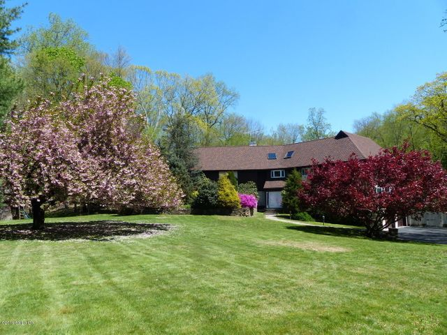66 Sherwood Avenue, Greenwich, CT 06831