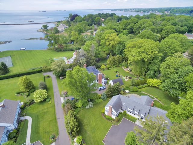70 Cedar Cliff Road, Riverside, CT 06878