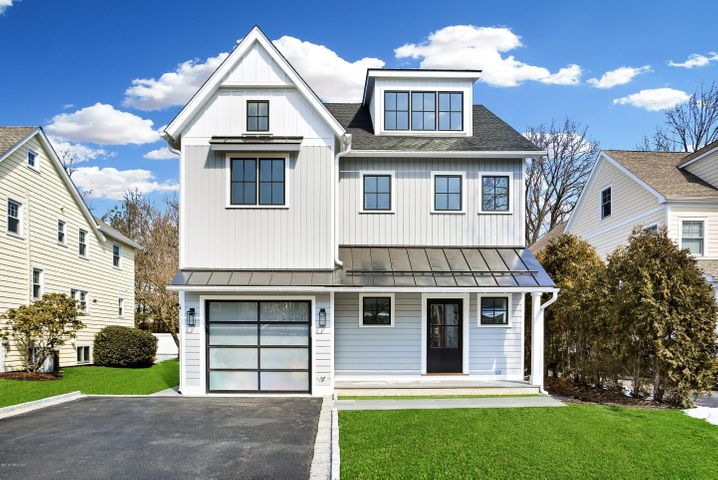 11 Anthony Place, Riverside, CT 06878