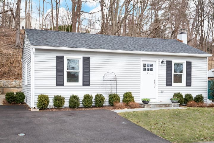 25 Cary Road, Riverside, CT 06878