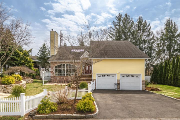 99 Loughlin Avenue, Cos Cob, CT 06807