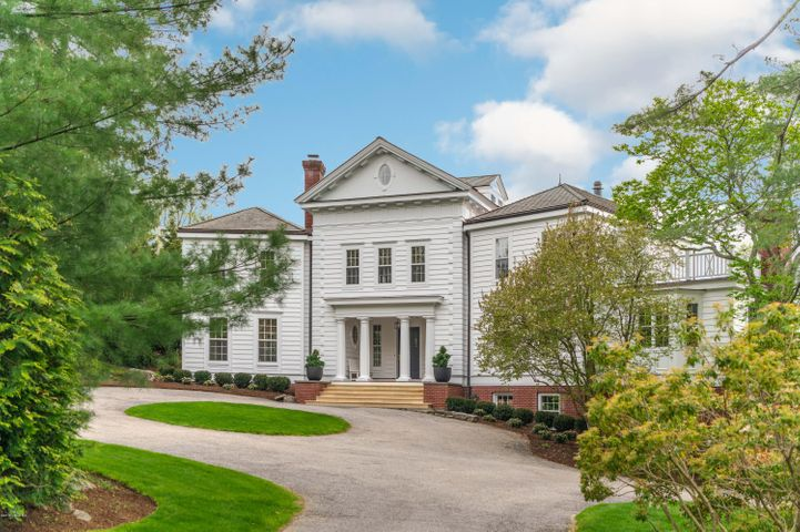 2 Zaccheus Mead Lane, Greenwich, CT 06831
