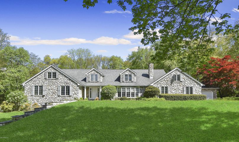 1 Tinker Lane, Greenwich, CT 06830
