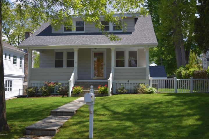 4 Highview Avenue, Old Greenwich, CT 06870