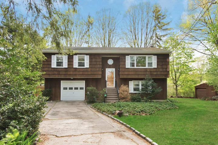 102 Hillcrest Park Road, Cos Cob, CT 06807