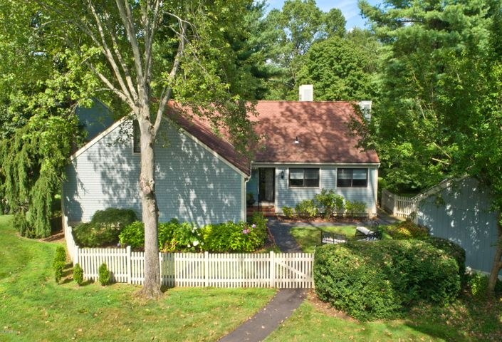 27 E Lyon Farm Drive, Greenwich, CT 06831