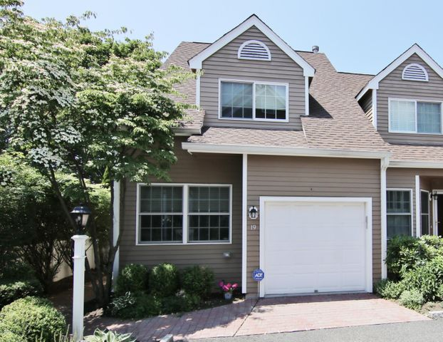193 Hamilton Avenue, 19, Greenwich, CT 06830