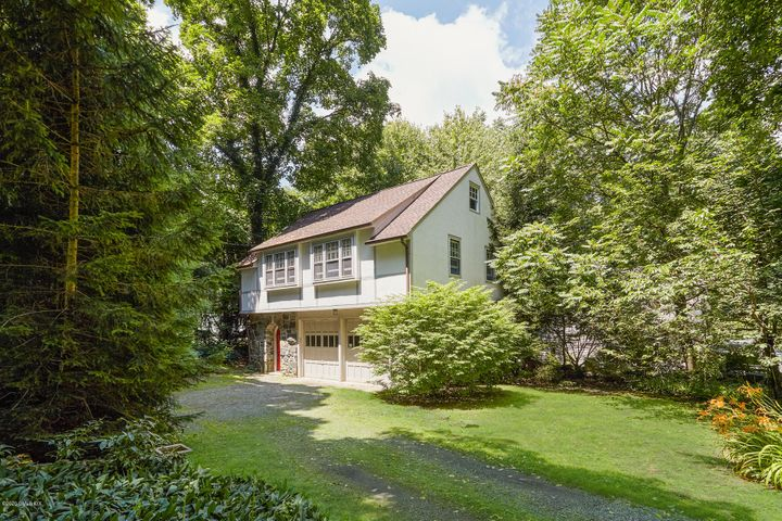 18 Brookside Park, cottage, Greenwich, CT 06831