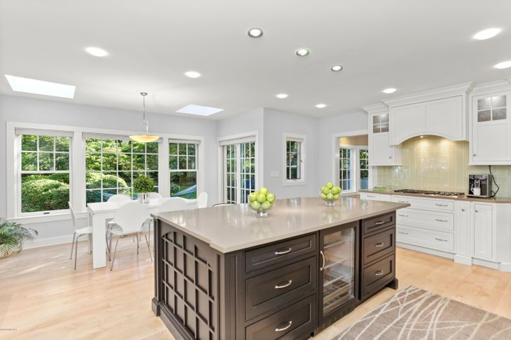 Kitchen with Breakfast Room