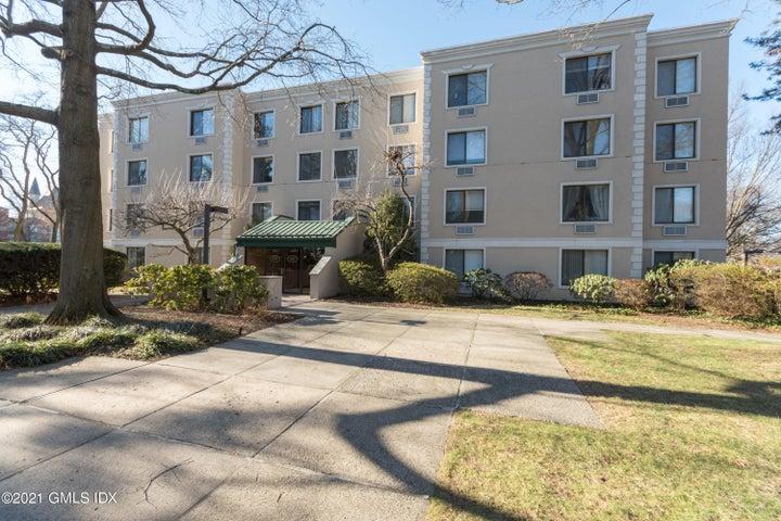 1525 E Putnam Avenue, 308, Old Greenwich, CT 06870