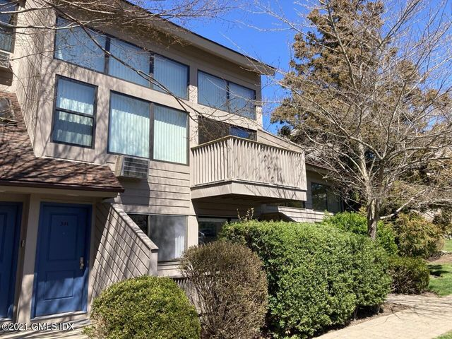 1465 E Putnam Avenue, 301, Old Greenwich, CT 06870