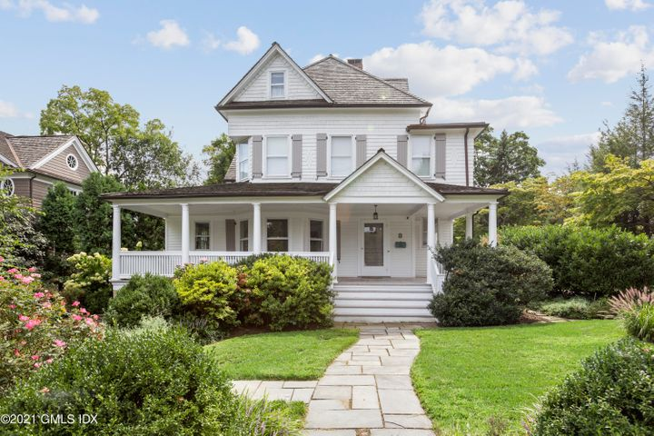 8 Tomac Ave, Old Greenwich