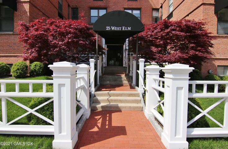 25 W Elm Street, 12, Greenwich, CT 06830