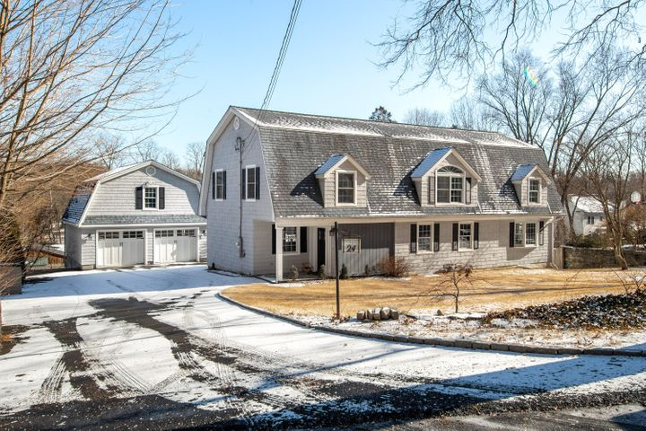 24 Hickory Drive, Greenwich, CT 06831