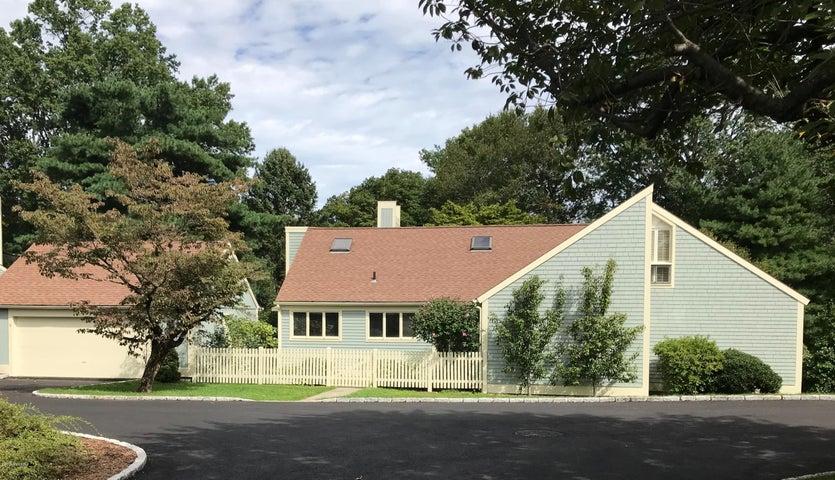 6 E Lyon Farm Drive, Greenwich, CT 06831