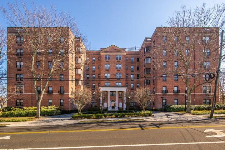 40 W Elm Street 2M, Greenwich, CT 06830