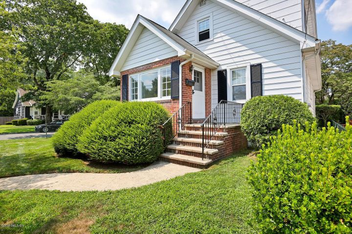 7 Upland Street East, Greenwich, CT 06831