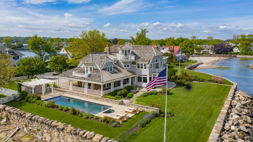 6 Tods Driftway, Old Greenwich, CT 06870