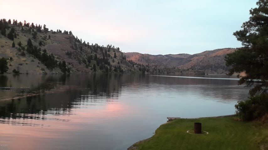 SOOTHE YOUR SOUL WHEN YOU ARRIVE ......AT YOUR PRIVATE INLET ON THIS MOUNTAIN LAKE