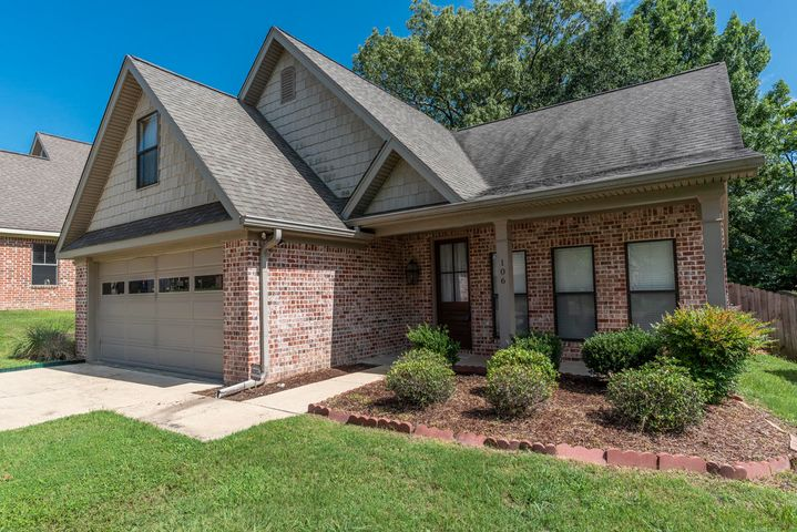 106 East Pointe, Starkville, MS 39759