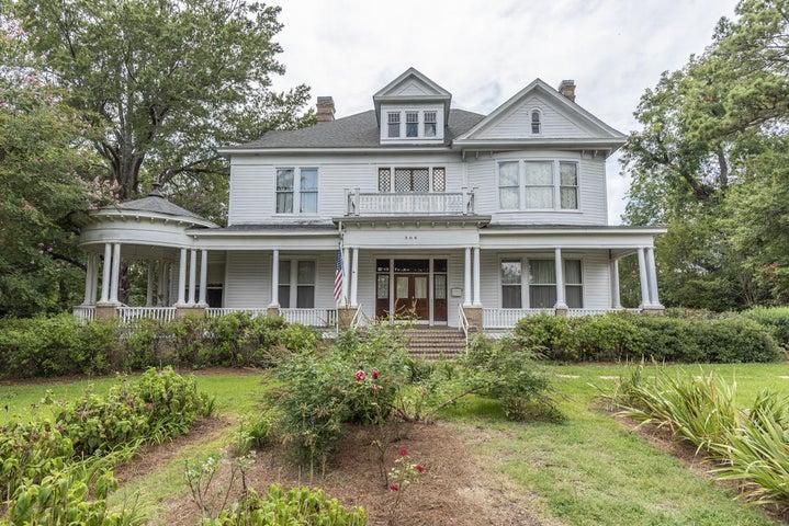 306 Jackson Street, Starkville, MS 39759