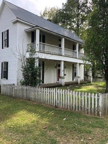 380 W 8th St, Macon, MS 39341