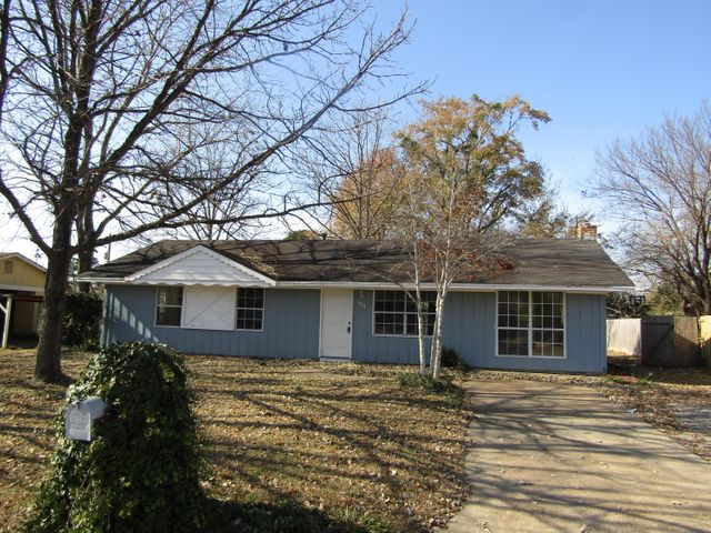 404 E Gaywood Ave, Columbus, MS 39702