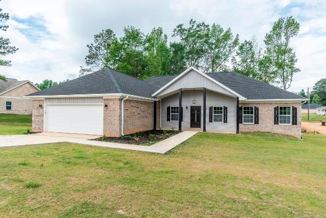 16 Georges Dr, Mathiston, MS 39752