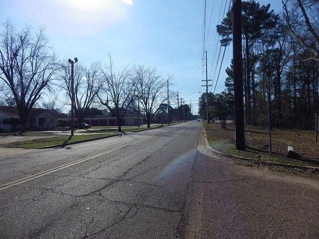 511 Lehmberg Road, Columbus, MS 39702