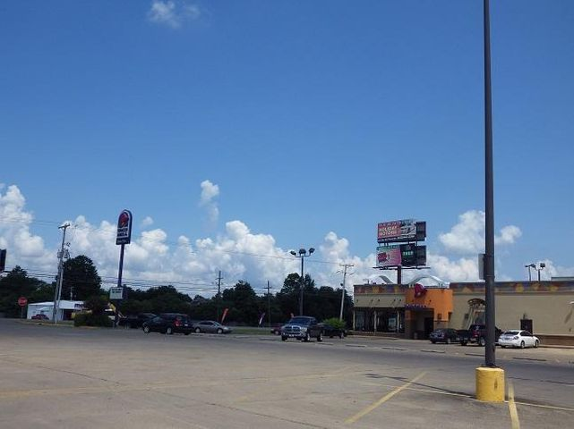 1839 Hwy 1 South, Greenville, MS 38701