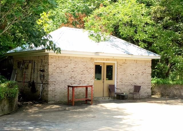 2526 Pat Station Road, Starkville, MS 39759