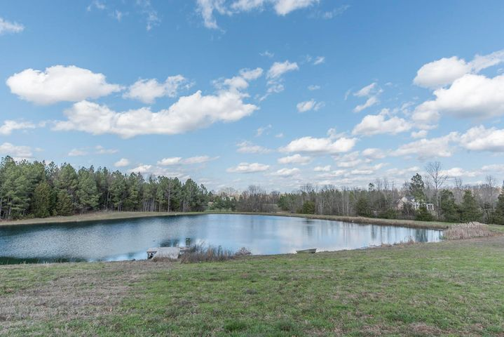 1645 WEST LAKESHORE DR, Starkville, MS 39759