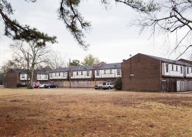 400 Forrest Blvd, Columbus, MS 39702