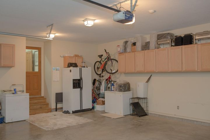 688 West Lakeshore Drive, Starkville, MS 39759