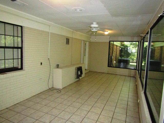 4613 Ridge Rd, Columbus, MS 39705