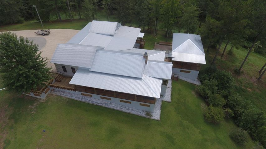 10853 Charlie Johnson Rd, Lauderdale, MS 39335