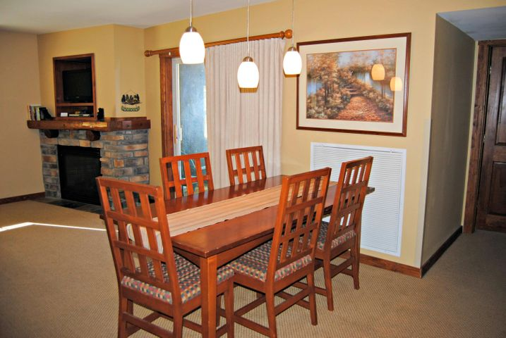 302/304 HIGHLAND HOUSE, SNOWSHOE, WV 26209