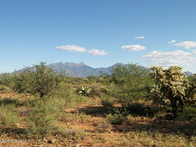 677 E Canyon Rock Road, Green Valley, AZ 85614