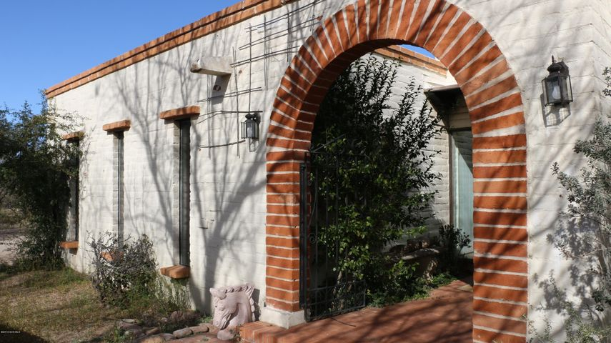 6 Paver Court, Tubac, AZ 85646