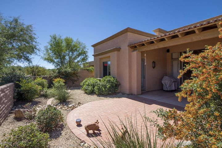 2189 N Embarcadero Way, Tubac, AZ 85646