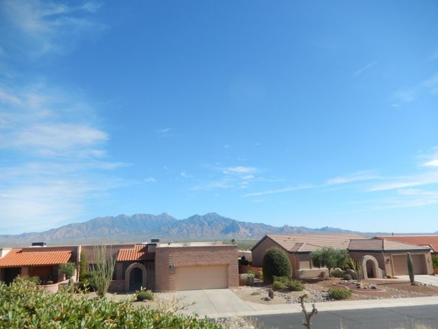 4939 S Prairie Hills Drive, Green Valley, AZ 85622