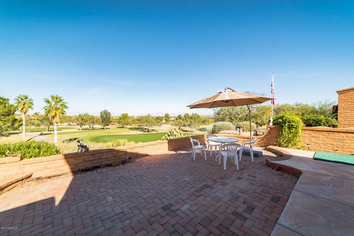 848 W Desert Hills Drive, Green Valley, AZ 85622