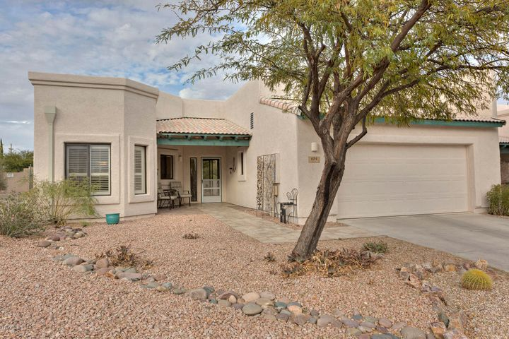 624 W Camino Del Bondadoso, Green Valley, AZ 85614