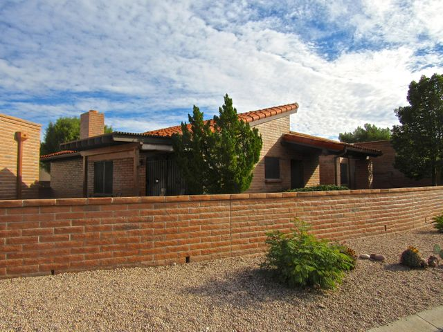 1634 W Calle Hacienda, Green Valley, AZ 85622